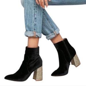 Betsey Johnson Kacey Black Boots